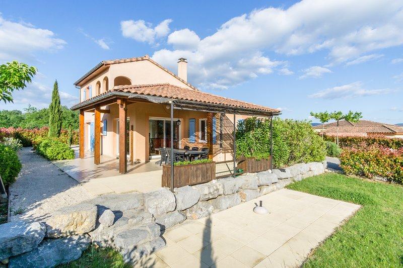 Villa Acacia voor 8 personen, location de vacances à Vallon-Pont-d'Arc