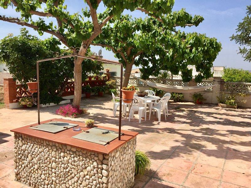 EL GARROFER CAROB HOLIDAYS HOUSE HUTB-016544, holiday rental in Vilanova i la Geltru