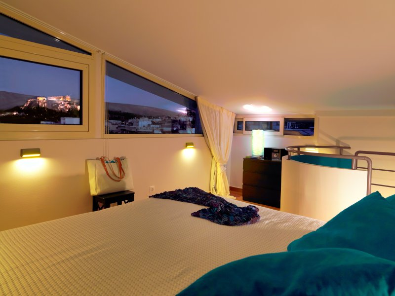 Quirky/Heated Pool/Acropolis View/Best location, holiday rental in Athens