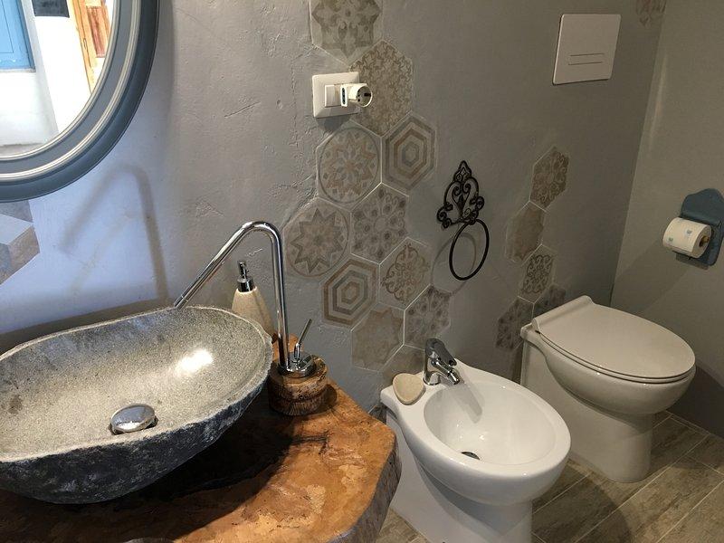 Sùara Bathroom