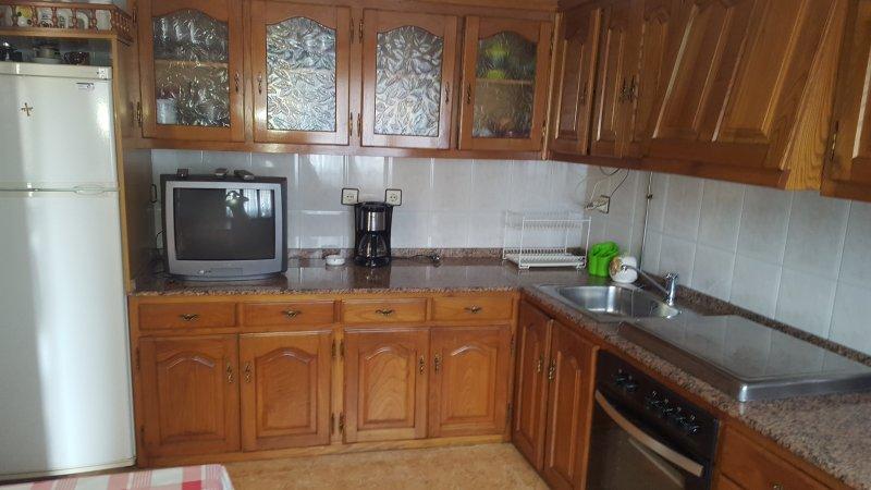 Casa en zona tranquila, holiday rental in Treceno