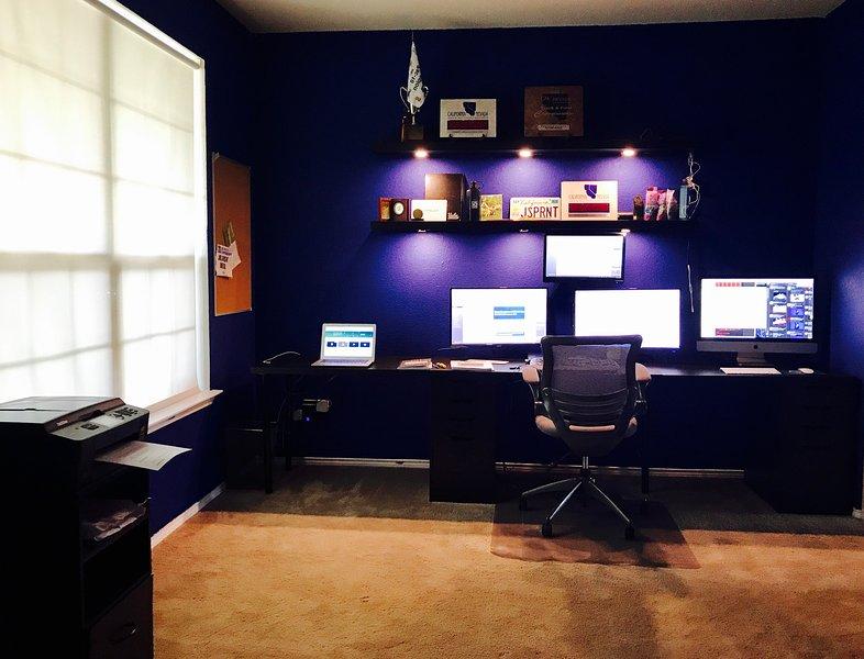 escritório dedicado * computadores não estão disponíveis para uso *