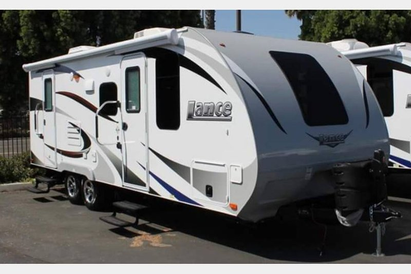 2017 Lance 21' Travel Trailer fully equipped - WE DELIVER, casa vacanza a Bonita