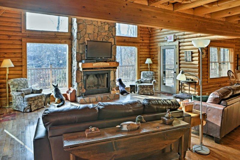 Après une journée sur le lac, détendez-vous dans ce coin salon avec une vue magnifique.