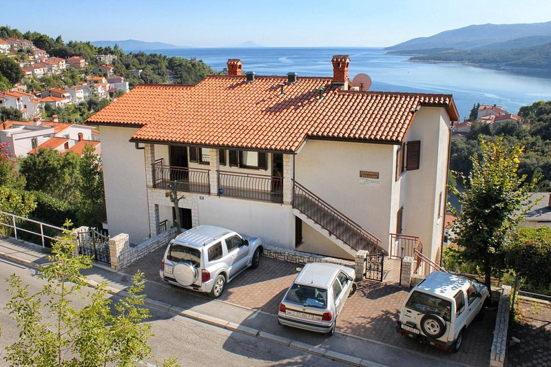 Three bedroom apartment Rabac, Labin (A-9670-a), location de vacances à Rabac
