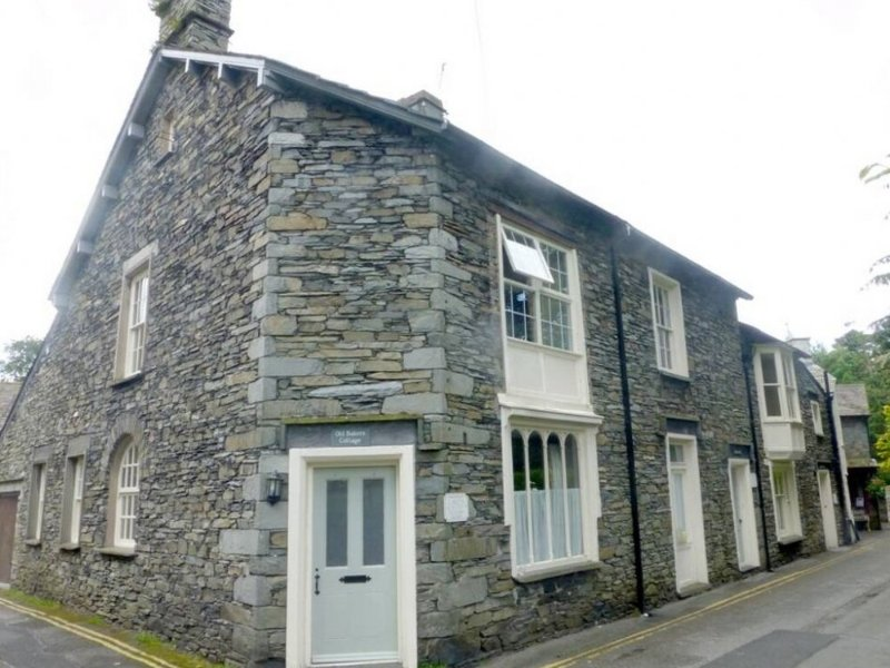 OLD BAKERS COTTAGE, all ground floor, en-suites, WIFI, centre of Grasmere, Ref, holiday rental in Grasmere