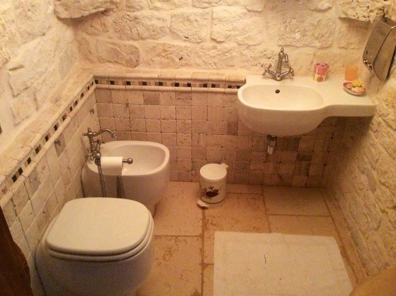2 Badezimmer alter Trulli
