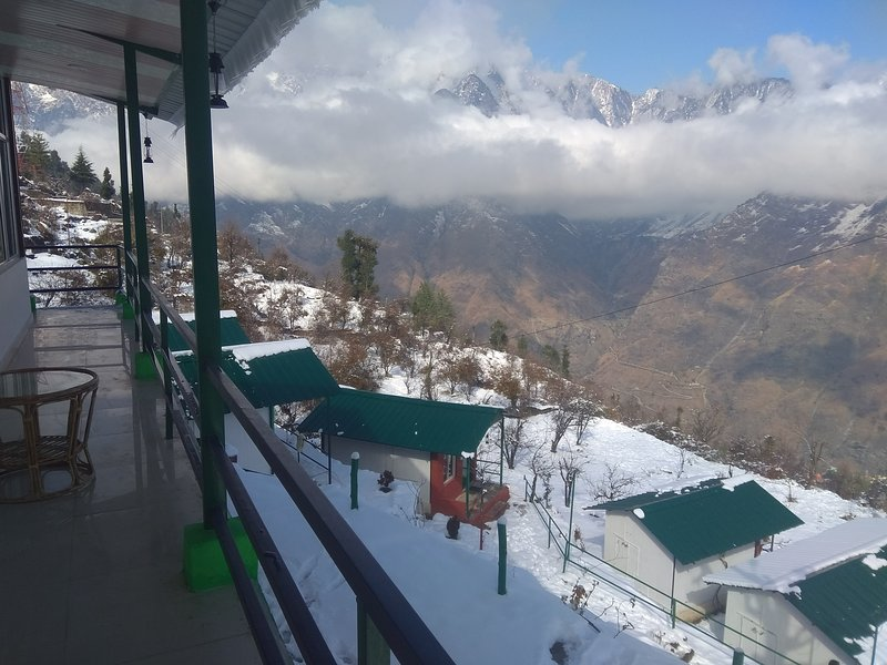 Auli nature resort in inverno