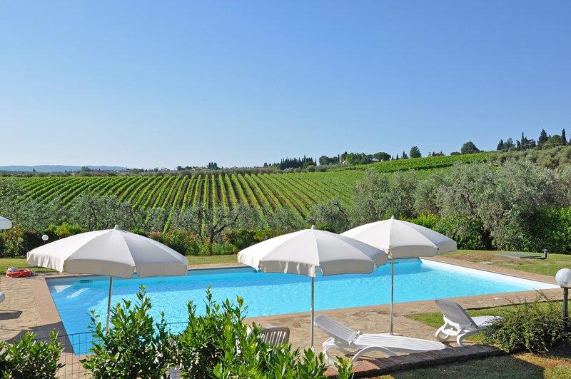 Noce Apartment Sleeps 8 with Pool Air Con and WiFi - 5241246, alquiler vacacional en Marcialla
