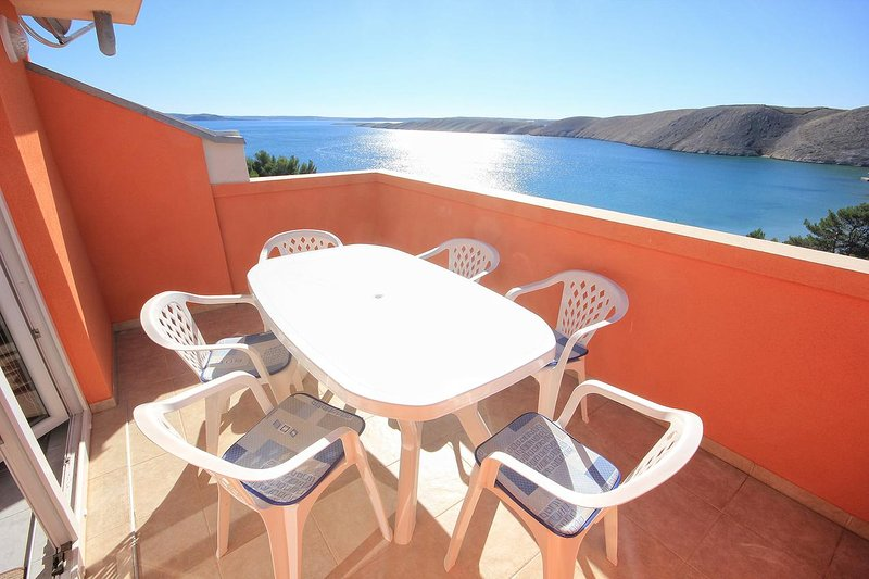 Vlasici Apartment Sleeps 8 with Air Con - 5469421, casa vacanza a Vlasici