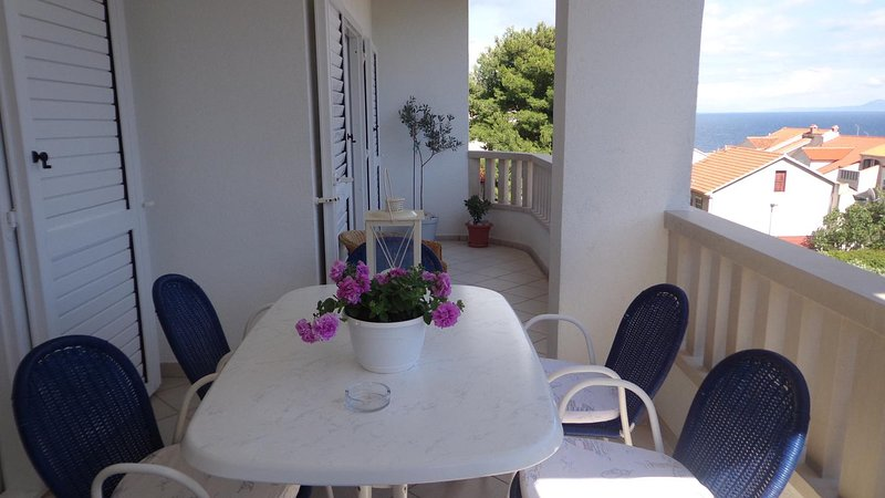 Bol Apartment Sleeps 5 with Air Con - 5570538, vacation rental in Bol