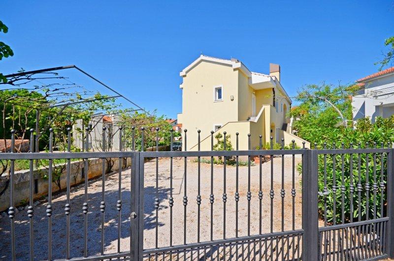 Apartments Vesna, vacation rental in Zidarici
