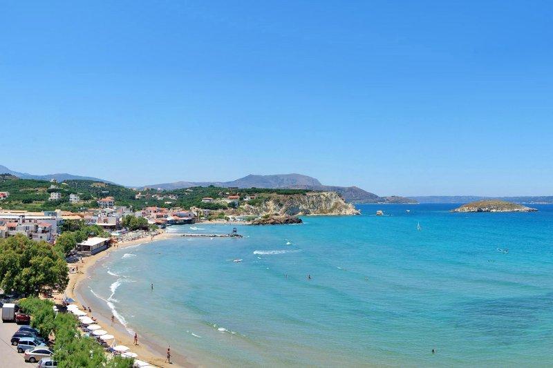 Playa de Almyrida a 9km de la villa.