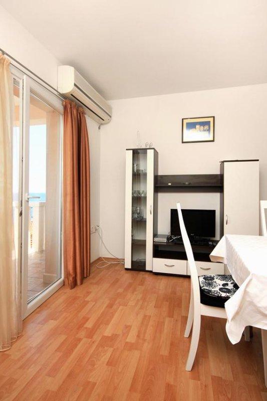 Wohnzimmer, Oberfläche: 9 m²
