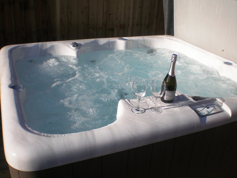 The Roundhouse,  Higher Hopworthy nr Bude. 4* cottage with hot tub., location de vacances à Bude-Stratton