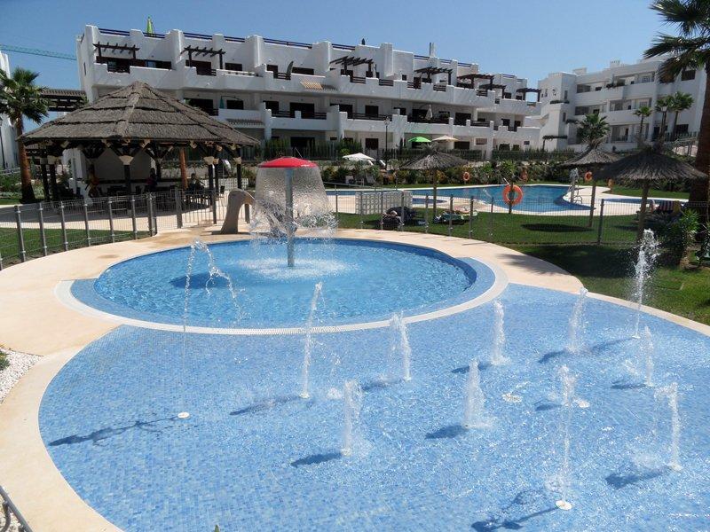 Mar de Pulpi 167 (Las Azucenas), luxury apartment near the sea. AIRCO/WIFI, holiday rental in San Juan de los Terreros