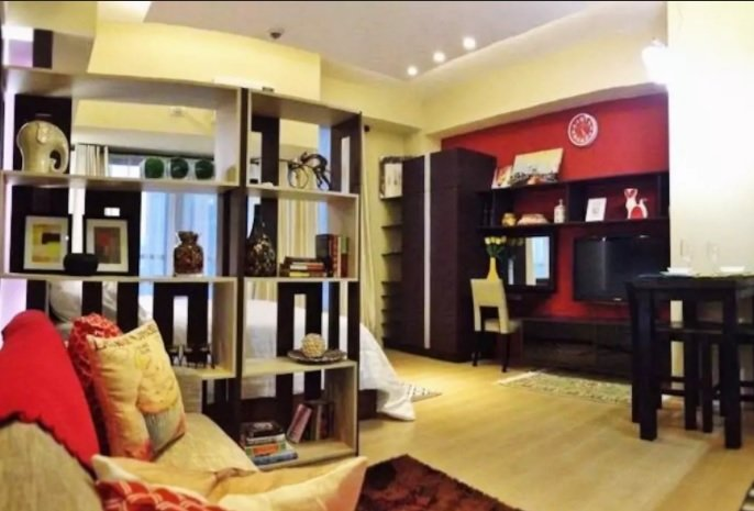Comfy Studio with Gym Pool & Fast WiFi at Le Grand 3 Eastwood City, vacation rental in Marikina