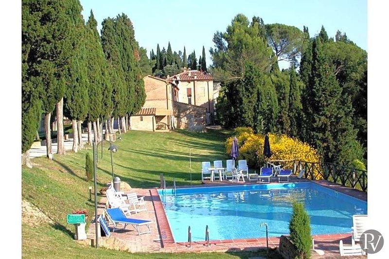 Campana Apartment Sleeps 3 with Pool - 5433408, Ferienwohnung in Monteroni d'Arbia