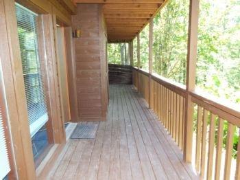 Lower level deck