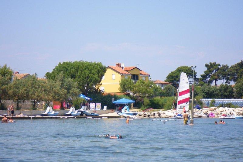 Two bedroom apartment Novigrad (A-7118-a), alquiler de vacaciones en Novigrad