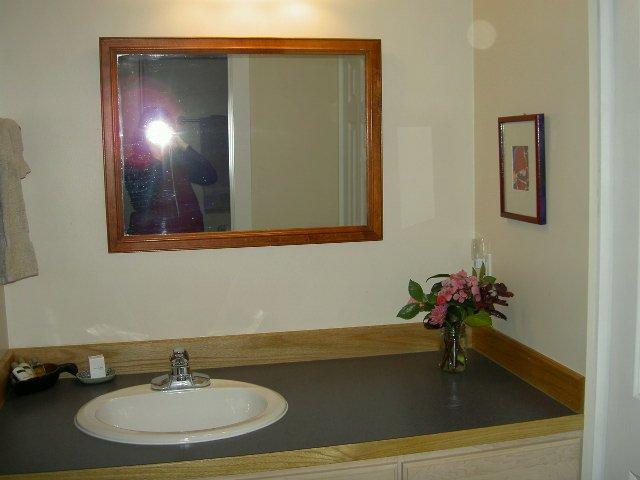 mirror vanity sink