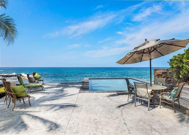 Ocean side pool and seating