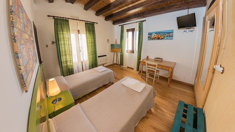 Case al Borgo-Agira Centre-Home Relais- Casa Pirandello, holiday rental in Nicosia