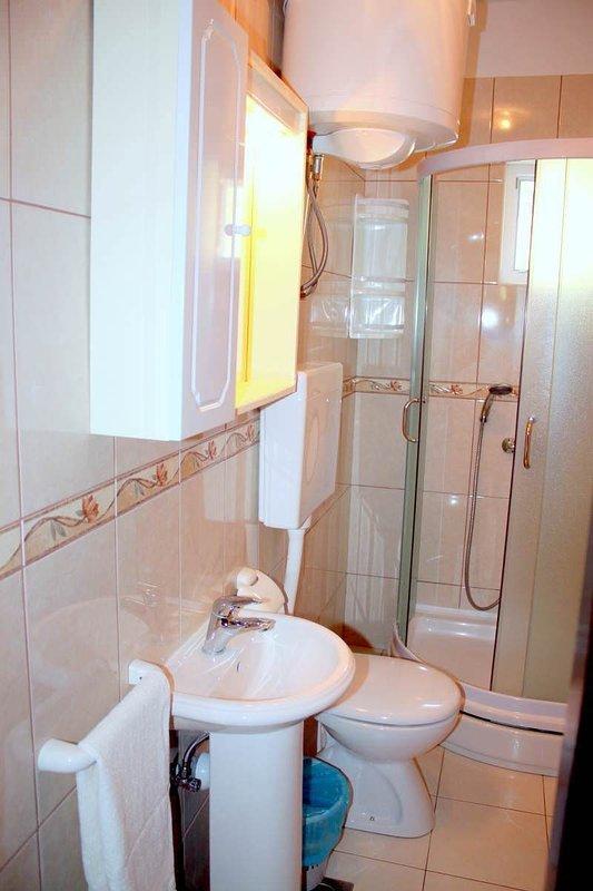 A3 (2 + 1): Bad mit WC