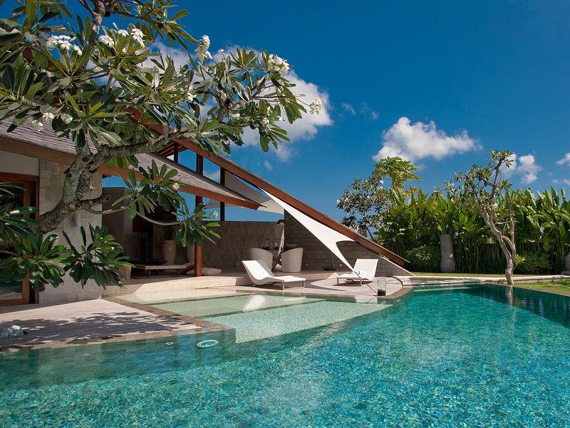 Le Layar - 3 chambres - piscine pendant la journée