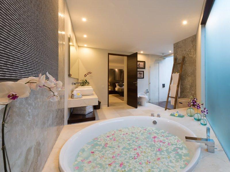 Layar - 4 camere da letto - bagno ai petali di fiori
