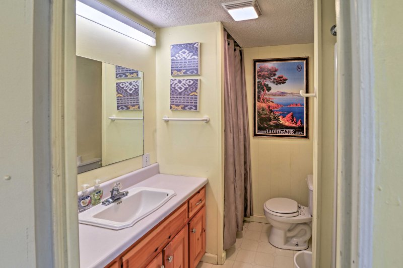 The home has 2 full bathrooms.