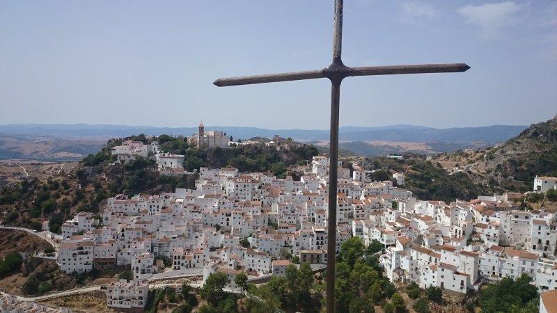 Weißes Dorf von Casares liegt ca. 20 km entfernt.