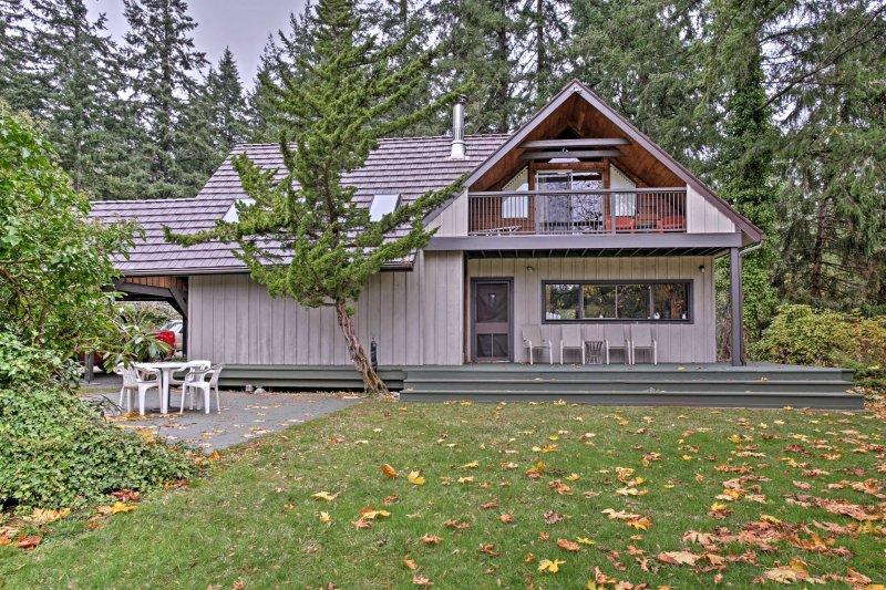 Schließen Sie mit der Natur in diesem 4-Schlafzimmer, 3-Bad Ferienhaus Haus in Vashon!