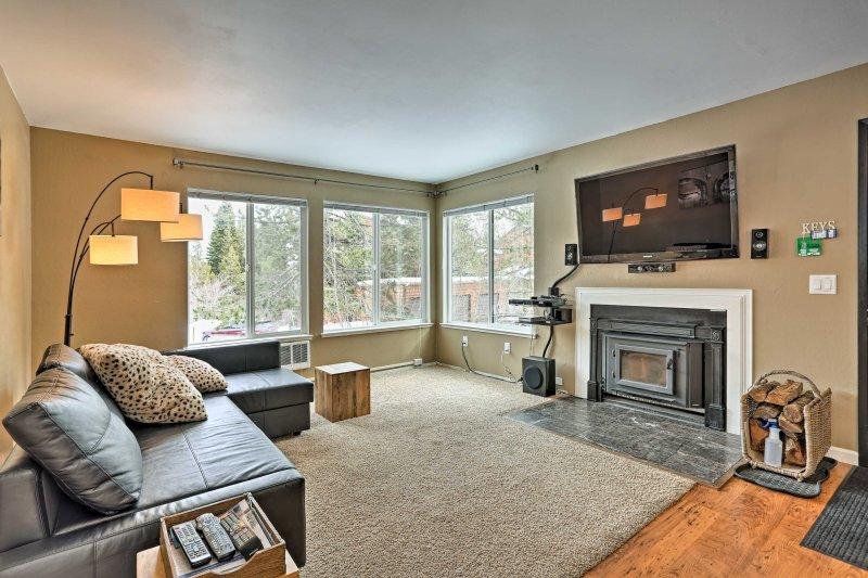 Reserve su escapada de Truckee en este fantástico condominio de alquiler de vacaciones!