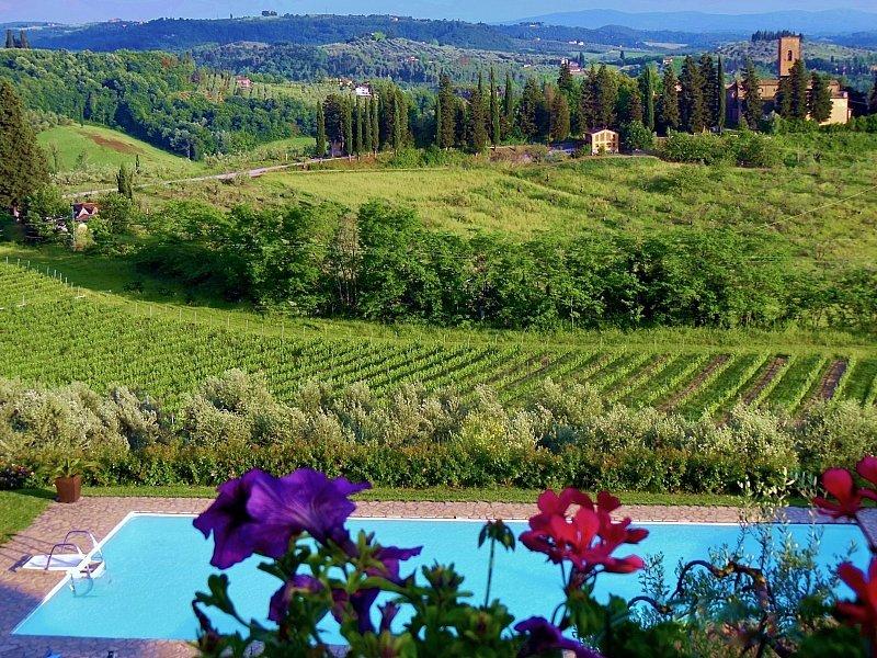 San Lazzaro Villa Sleeps 26 with Pool Air Con and WiFi - 5584114, vacation rental in Certaldo