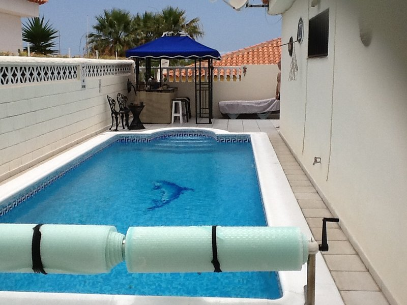 3 Bed Villa with Pool and Sea views!, holiday rental in Callao Salvaje