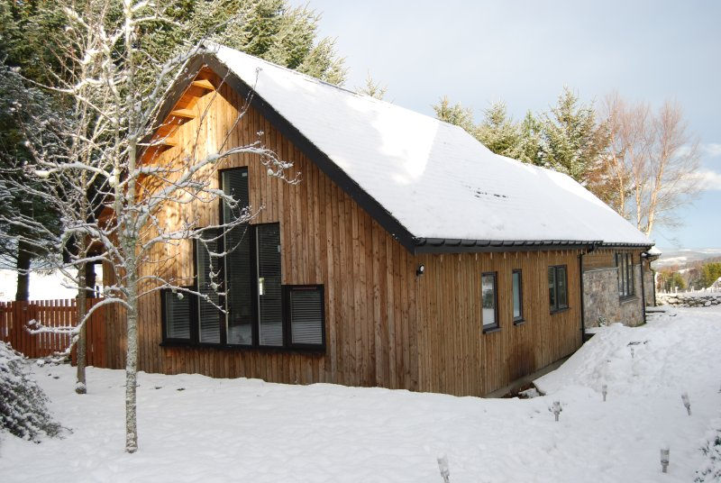 Take a winter break and enjoy a real wood burner and underfloor heating throughout