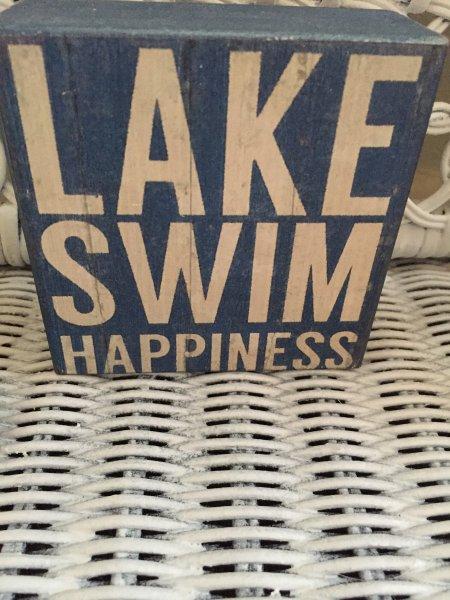 Il suffit de marcher dans la rue et vous êtes dans le lac!