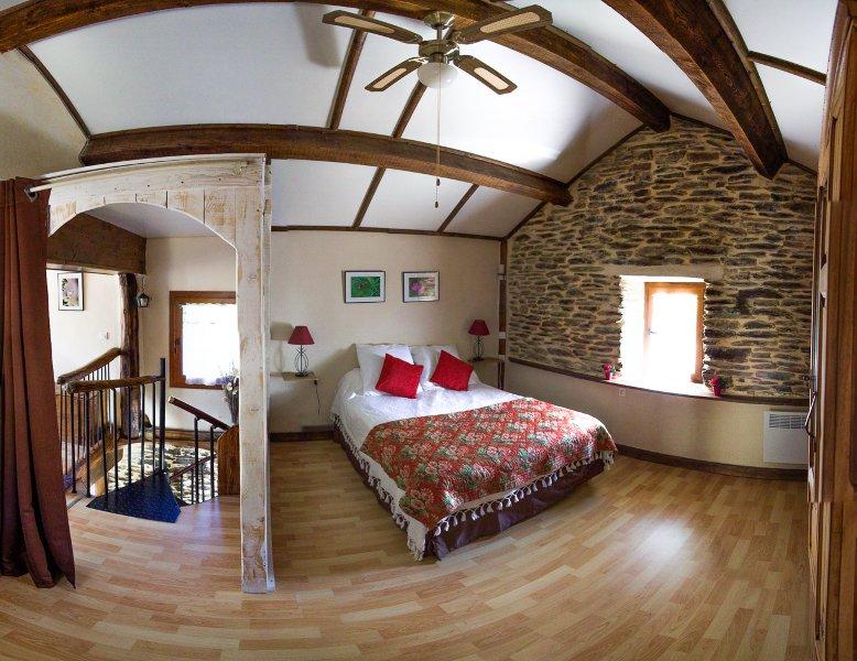 O quarto no andar de cima, 140x190 cama, ventilador de teto