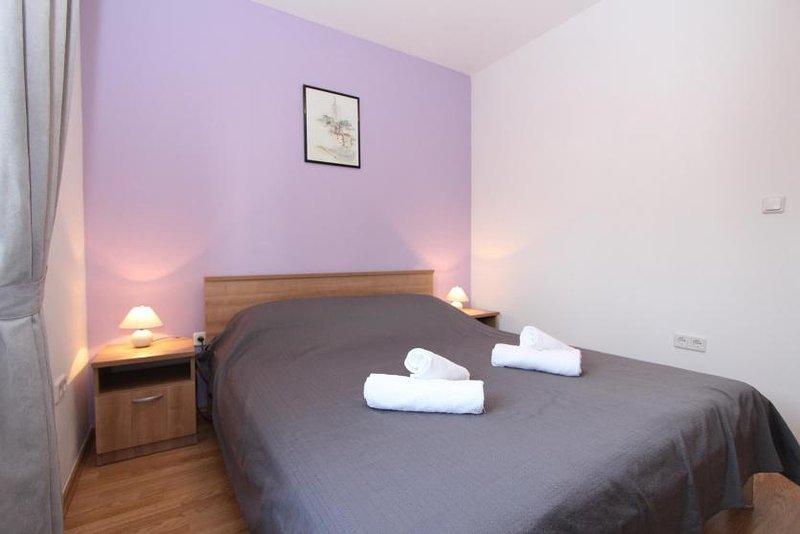 Modern 2 bedroom Apartment ST, holiday rental in Rovinj