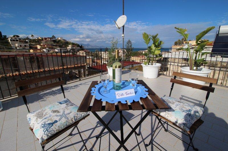 Villa Turchese a 150 mt dal mare, vacation rental in Alcamo Marina