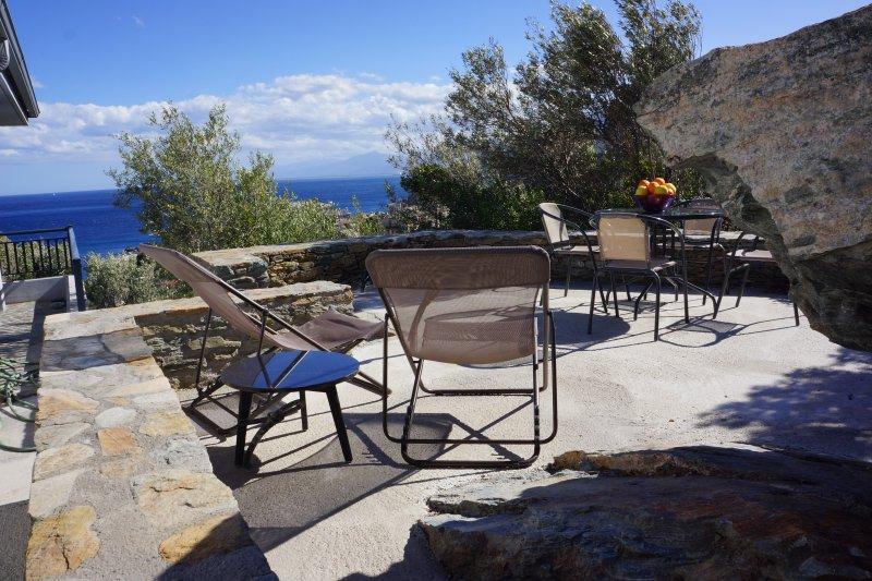 ERBALUNGA -  Villa - 2 terrasses Sud - Vue exceptionnelle sur mer - 5 mn plage, holiday rental in Marine de Pietracorbara