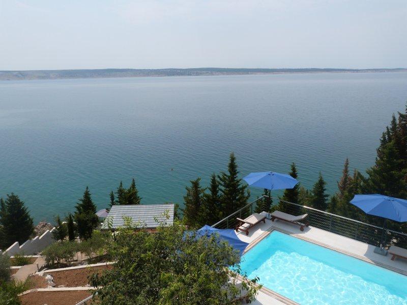 Marija · Stylish apartments in beachfront villa with heated pool and beach, holiday rental in Kukljic