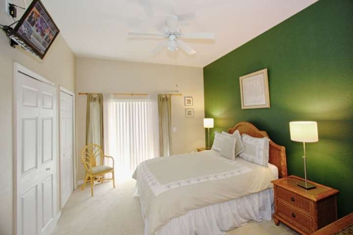 Queen Master Bedroom w/En-Suite Bath, Flat Screen TV & Private Balcony Access