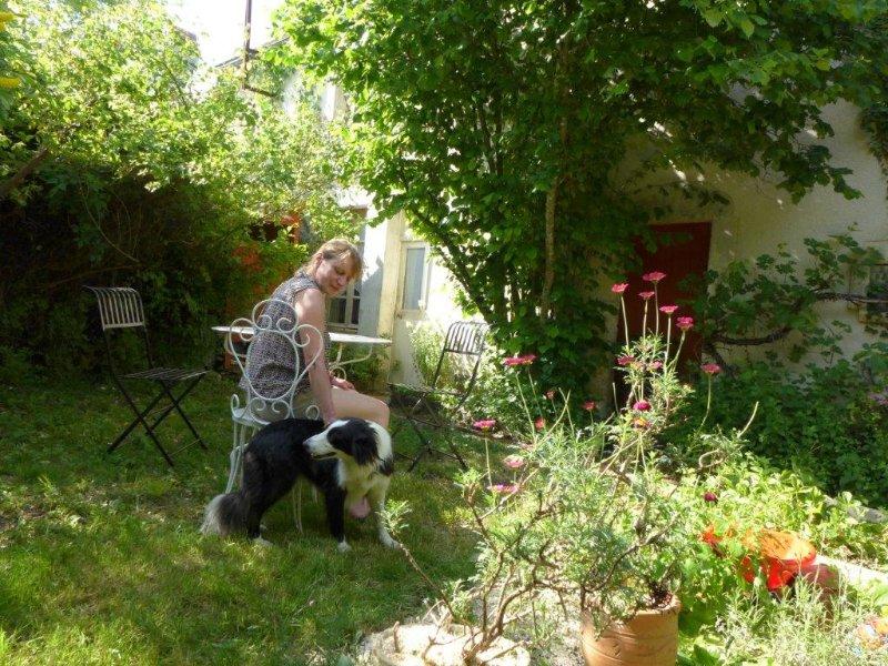 La maison d'en face; se ressourcer 200  km Paris,proche Vezelay,Vignoble Chablis, location de vacances à Arcy-sur-Cure