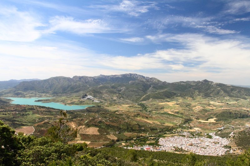 Looking down on Algodonales and across to the Presa de Zahara from Sierra de Lijar
