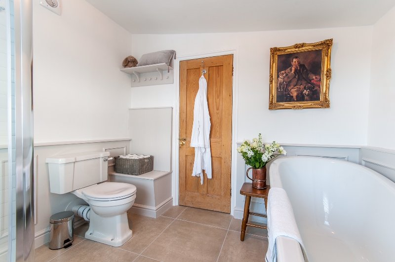 New Burlington bathroom with extra long slipper bath (Feb 2018)