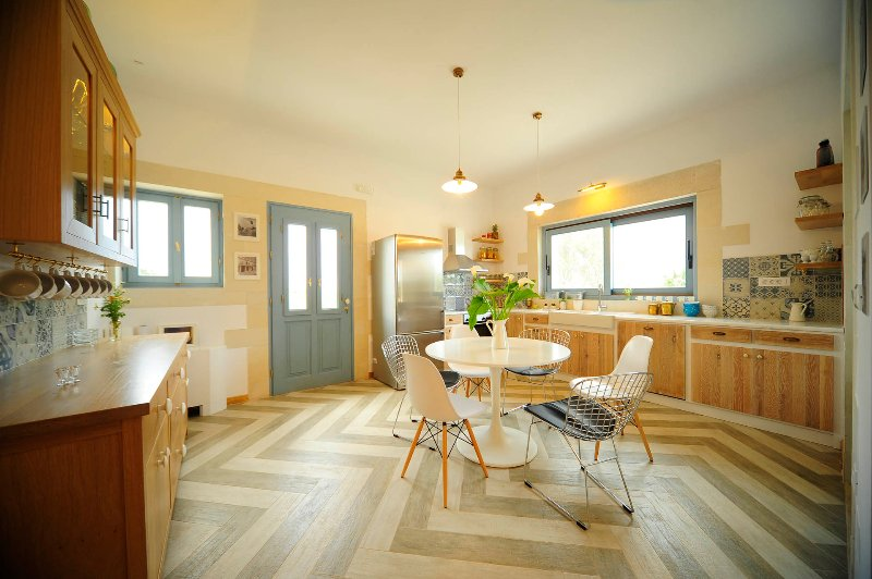 Spacious and fully equipped kitchen makes you to want to cook.