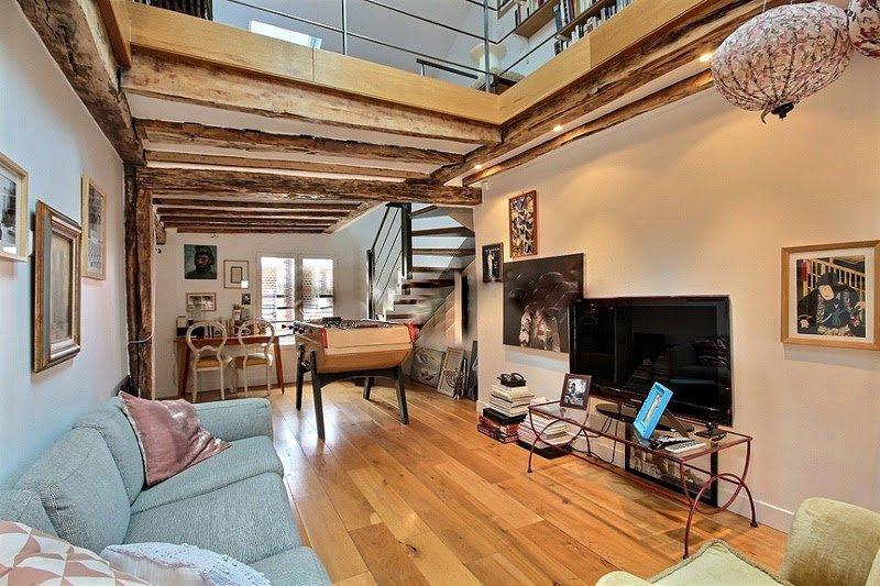 Living: är utrustade med soffa, soffbord, kabel, TV, skrivbord, fåtölj, babyfoot, inbyggd garderob,