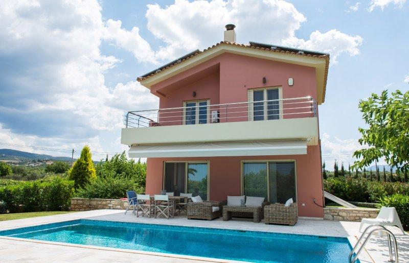 Altrosa Luxury Villa, Dimitras Villas, Kalo Nero, Mesisnia, holiday rental in Neochori